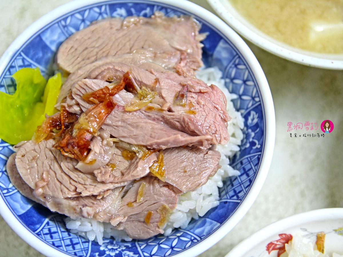 【食記】嘉義/西區「阿溪雞肉飯」.超好吃雞片飯/火雞肉〃近嘉義火車站